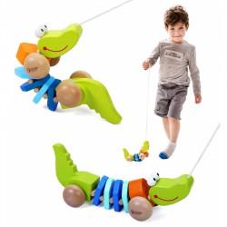 Medinis Žaislinis Krokodilas Su Traukiančiais Garsais Ir Virvele Classic World