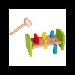 Medinių Vinių Žaidimas Su Kūju